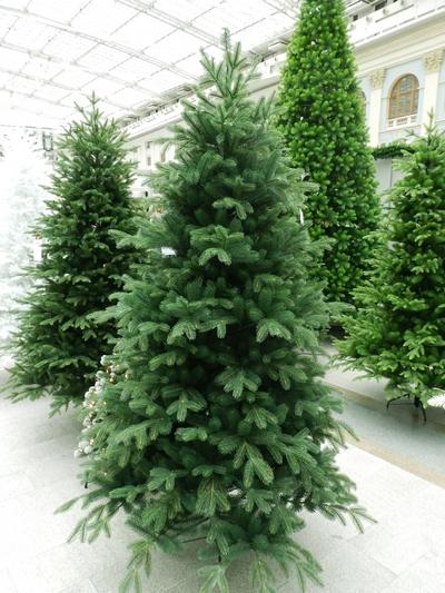 Искусственные елки и новогодние товары